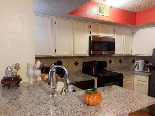 Property picture 1 of 10
